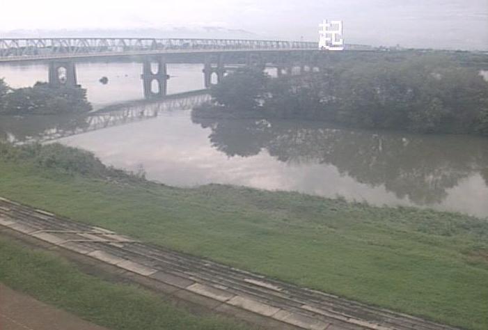 木曽川起ライブカメラは、愛知県一宮市起の起に設置された木曽川が見えるライブカメラです。