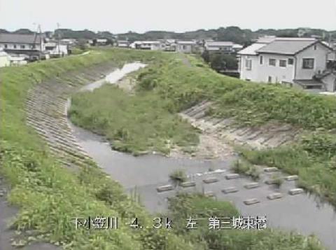 下小笠川第三城東橋ライブカメラは、静岡県掛川市川久保の第三城東橋に設置された下小笠川が見えるライブカメラです。
