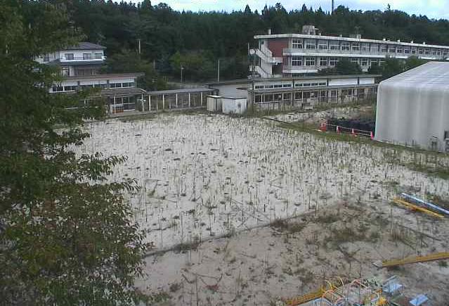 苅野小学校付近ライブカメラは、福島県浪江町苅宿の苅野小学校(浪江町立苅野小学校)に設置された小学校付近が見えるライブカメラです。