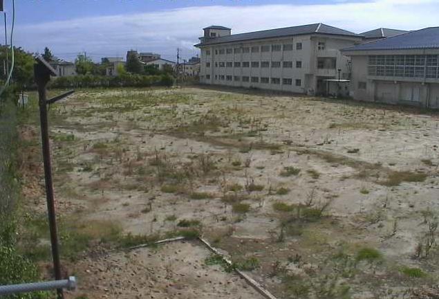 浪江小学校付近ライブカメラは、福島県浪江町権現堂の浪江小学校(浪江町立浪江小学校)付近に設置されたグラウンド・校舎が見えるライブカメラです。