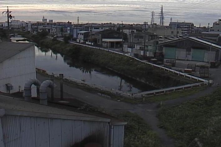 八田川地蔵川交差部ライブカメラは、愛知県春日井市追進町の地蔵川交差部に設置された八田川が見えるライブカメラです。