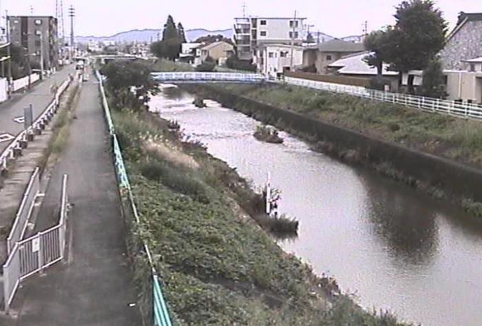 八田川味美ライブカメラは、愛知県春日井市味美町の味美に設置された八田川が見えるライブカメラです。