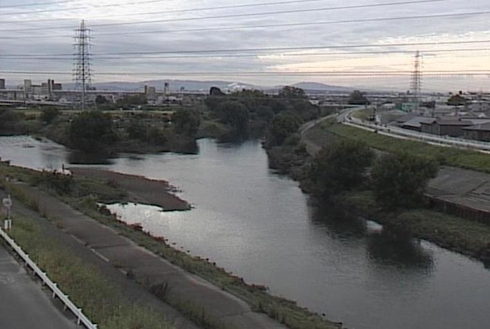 新川久地野ライブカメラは、愛知県北名古屋市久地野の久地野に設置された新川が見えるライブカメラです。