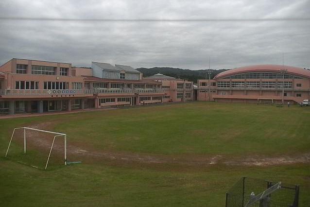 楢葉南小学校ライブカメラは、福島県楢葉町下小塙の楢葉南小学校に設置された校舎・グラウンドが見えるライブカメラです。