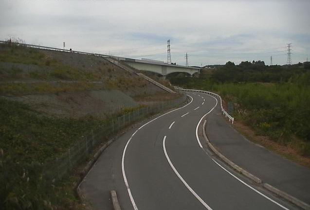 清水橋ライブカメラは、福島県大熊町大川原の清水橋に設置された福島県道166号・常磐自動車道周辺が見えるライブカメラです。