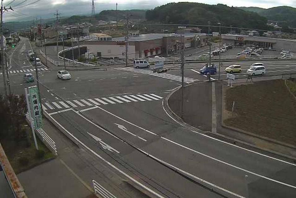 臼田下小田切交差点ライブカメラは、長野県佐久市の臼田に設置された下小田切交差点・国道141号(臼田バイパス)・長野県道121号上小田切臼田停車場線が見えるライブカメラです。
