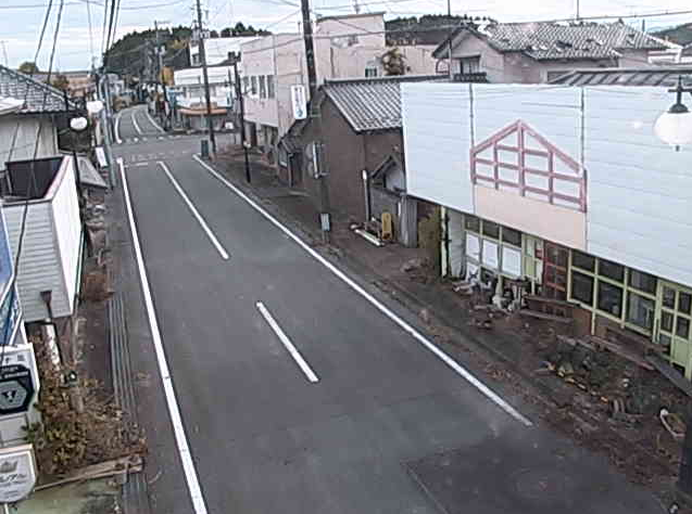 長塚第二分団屯所前ライブカメラは、福島県双葉町長塚の長塚第二分団屯所前に設置された陸前浜街道が見えるライブカメラです。