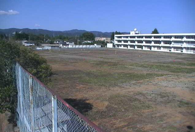 富岡二中ライブカメラは、福島県富岡町夜の森の富岡二中(富岡町立富岡第二中学校)に設置された校舎・グラウンドが見えるライブカメラです。