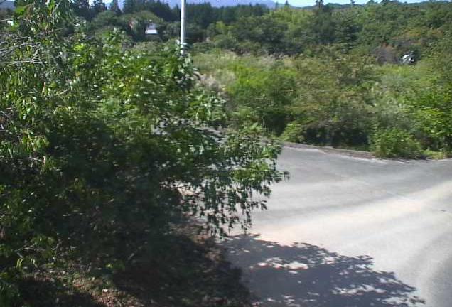 寺松公民館付近ライブカメラは、福島県双葉町寺沢の寺松公民館付近に設置された福島県道256号井出長塚線が見えるライブカメラです。
