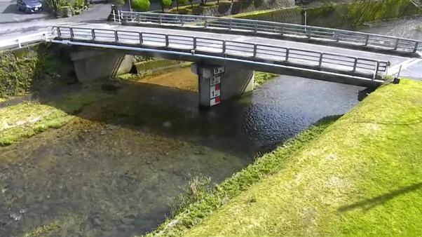 飛騨川大塚橋ライブカメラは、岐阜県七宗町神渕の大塚橋に設置された飛騨川・飛騨街道が見えるライブカメラです。