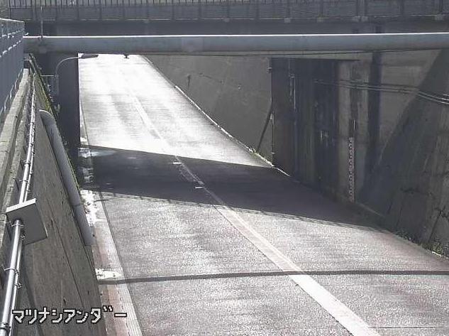 石川県道169号粟生小松線松梨アンダーライブカメラは、石川県小松市松梨町の松梨アンダーに設置された石川県道169号粟生小松線が見えるライブカメラです。