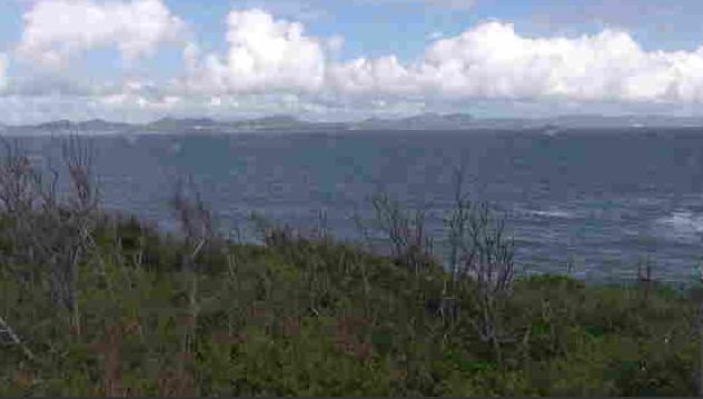 伊計島灯台ライブカメラは、沖縄県うるま市与那城の伊計島灯台に設置された金武湾が見えるライブカメラです。