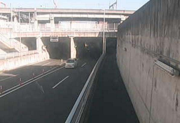 国道354号江木アンダーライブカメラは、群馬県高崎市江木町の江木アンダーに設置された国道354号が見えるライブカメラです。