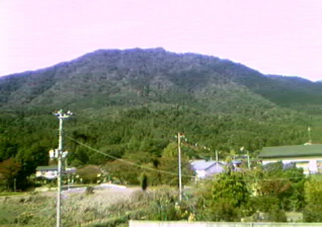観音寺地区弥彦山ライブカメラは、新潟県弥彦村観音寺の観音寺地区に設置された弥彦山が見えるライブカメラです。