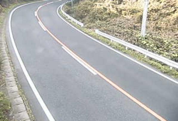 国道145号今井峠ライブカメラは、群馬県沼田市下川田町の今井峠に設置された国道145号(日本ロマンチック街道)が見えるライブカメラです。