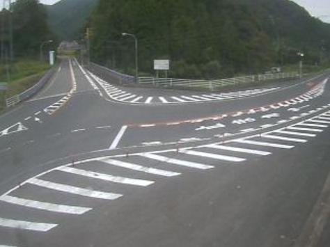 国道179号穴鴨ライブカメラは、鳥取県三朝町穴鴨の穴鴨に設置された国道179号・国道482号が見えるライブカメラです。