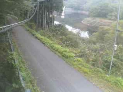 鳥取県道33号三朝中線中津ライブカメラは、鳥取県三朝町中津の中津に設置された鳥取県道33号三朝中線・中津貯水池が見えるライブカメラです。