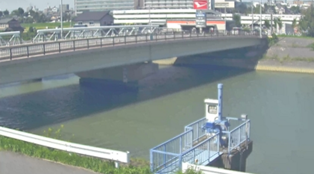 KATCH猿渡川刈谷市高須町ライブカメラは、愛知県刈谷市の高須町に設置された猿渡川が見えるライブカメラです。