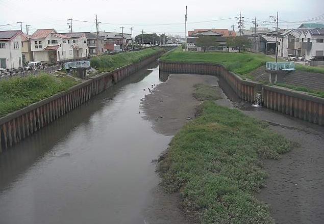 鴨田川鴨田橋ライブカメラは、愛知県北名古屋市九之坪の鴨田橋に設置された鴨田川が見えるライブカメラです。