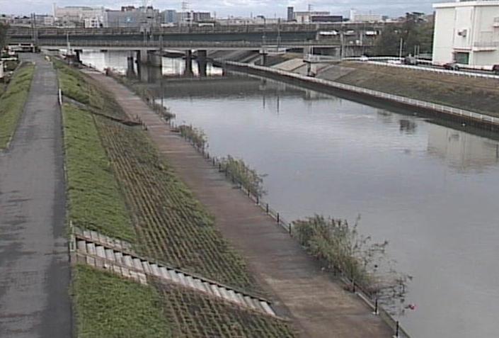新川新川大橋ライブカメラは、愛知県清須市西枇杷島町の新川大橋に設置された新川が見えるライブカメラです。