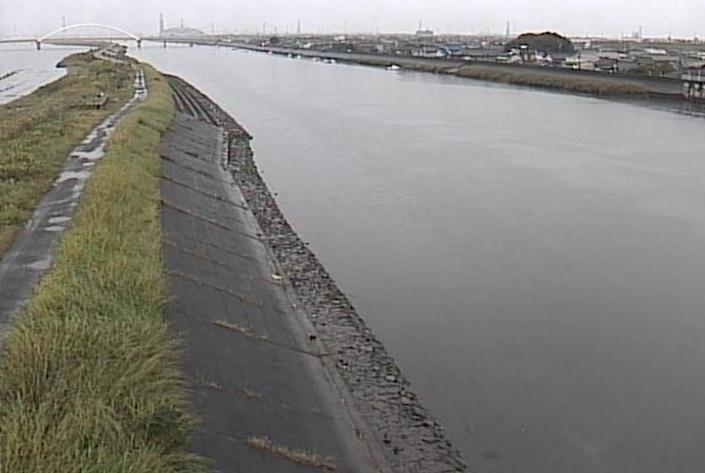 新川下之一色ライブカメラは、愛知県名古屋市中川区の新川下之一色に設置された新川が見えるライブカメラです。