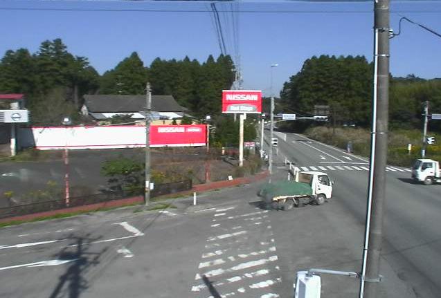 新夜の森交差点ライブカメラは、福島県富岡町本岡の新夜の森交差点に設置された国道6号(陸前浜街道)・福島県道165号夜ノ森停車場線が見えるライブカメラです。