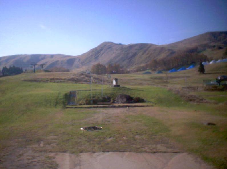 ホテルプラトーこのはなライブカメラは、兵庫県養父市鉢高原のホテルプラトーこのはなに設置されたハチ高原・氷ノ山が見えるライブカメラです。