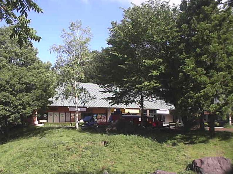 八ヶ岳リゾートアウトレットライブカメラ(山梨県北杜市小淵沢町)