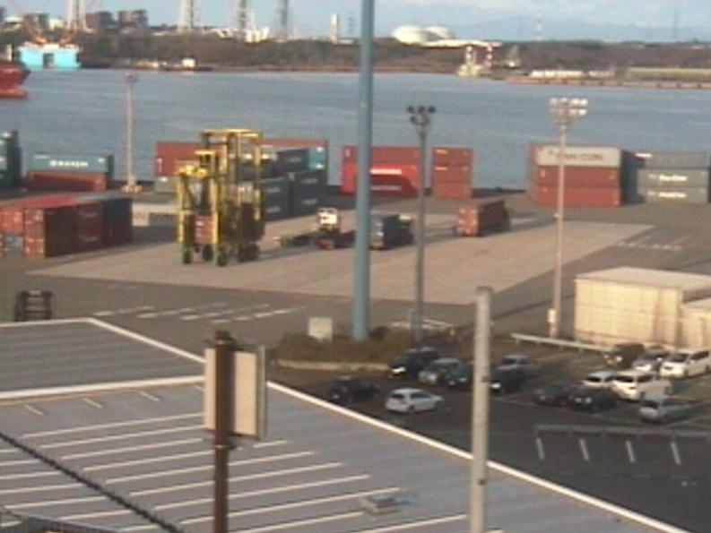 Colins新潟港東港区西埠頭コンテナヤード方向ライブカメラ(新潟県聖籠町)
