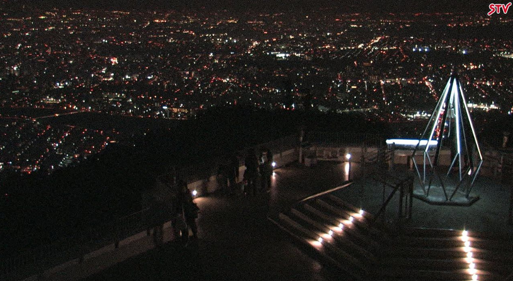 STV藻岩山展望台ライブカメラは、北海道札幌市南区の藻岩山展望台(藻岩山山頂・もいわ山頂展望台)に設置された札幌市夜景が見えるライブカメラです。