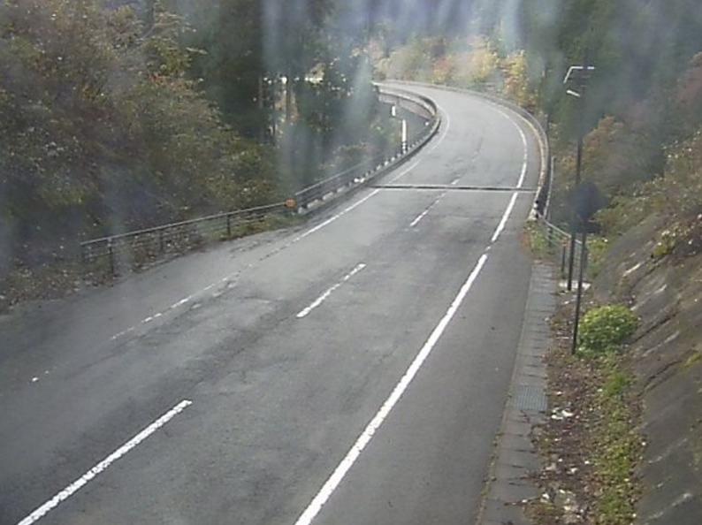 福島県道37号白河羽鳥線真名子大橋第2ライブカメラは、福島県西郷村羽太上の真名子大橋に設置された福島県道37号白河羽鳥線(白河羽鳥レイクライン)が見えるライブカメラです。