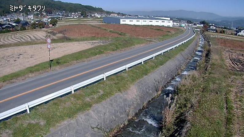 CEK宮田村北割ライブカメラは、長野県宮田村北割の西保育園北交差点付近に設置された伊那中部広域農道が見えるライブカメラです。