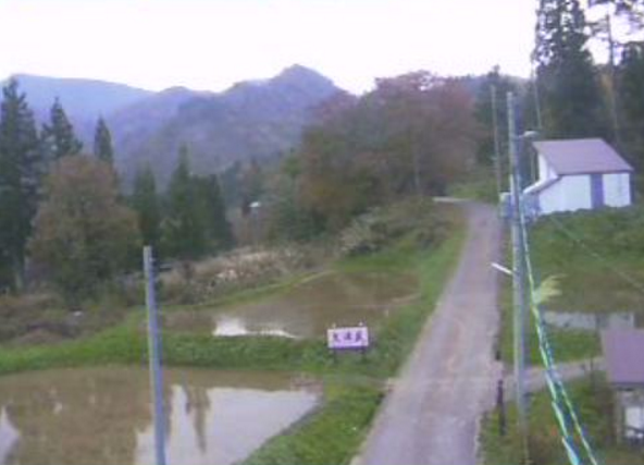 新井地域上小沢周辺ライブカメラは、新潟県妙高市上小沢の新井地域上小沢周辺(大滝荘)に設置された仏ケ峰方面が見えるライブカメラです。