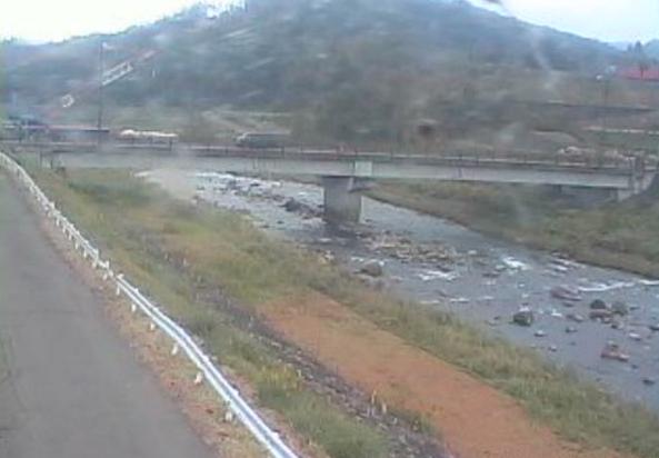 新井地域猿橋周辺ライブカメラは、新潟県妙高市猿橋の新井地域猿橋周辺に設置された猿橋・関川・国道292号(飯山街道)が見えるライブカメラです。