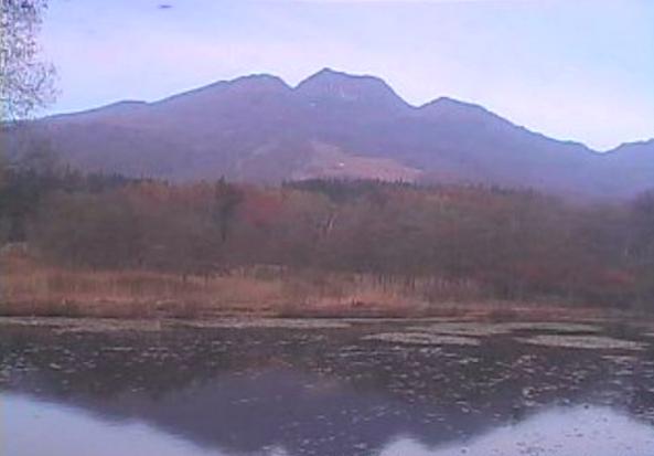 妙高高原地域池の平周辺ライブカメラは、新潟県妙高市関川の妙高高原地域池の平周辺(妙高高原ビジターセンター・いもり池周辺)に設置された妙高山・いもり池・池の平温泉スキー場が見えるライブカメラです。