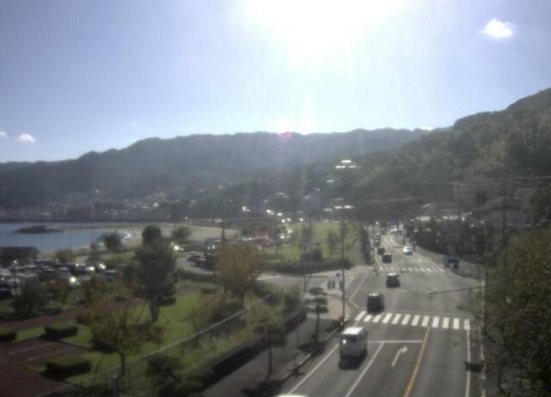 国道135号上多賀第2ライブカメラは、静岡県熱海市の上多賀に設置された国道135号(下田方面)が見えるライブカメラです。