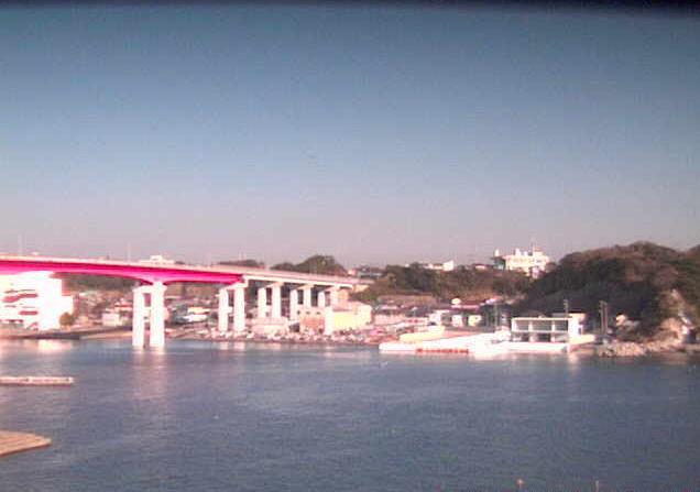 神奈川県水産技術センター4階から三崎港・城ヶ島大橋