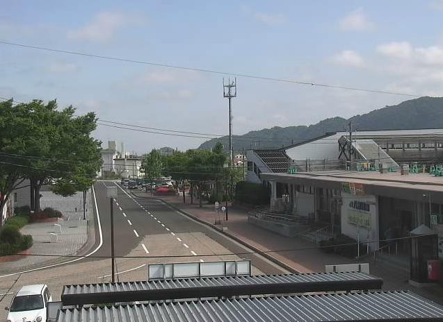 八郎潟駅前
