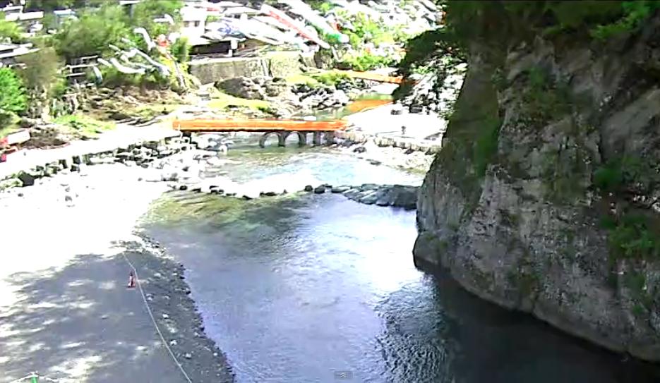 こいこい橋から神流川・こいのぼり