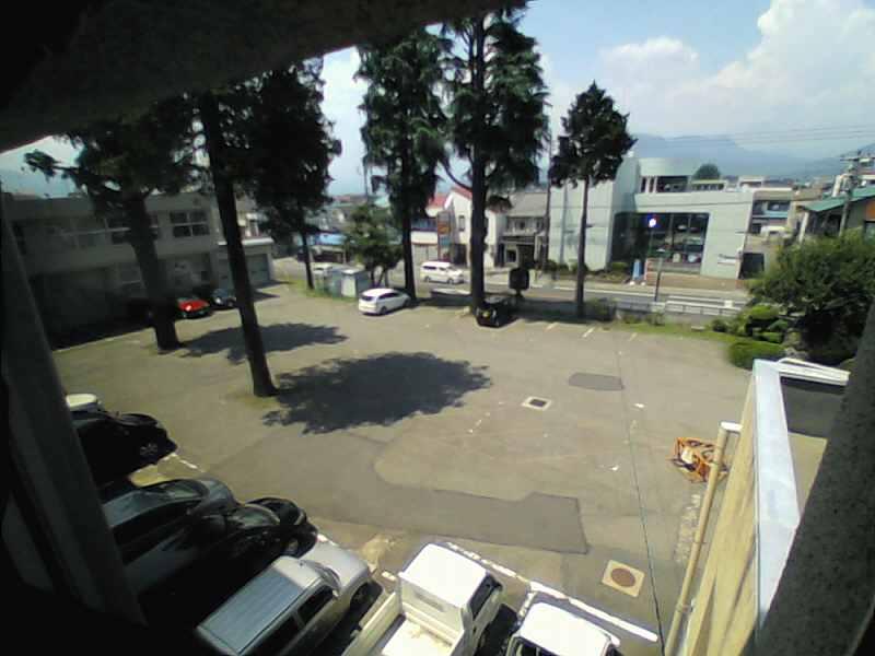 沼田高校駐車場
