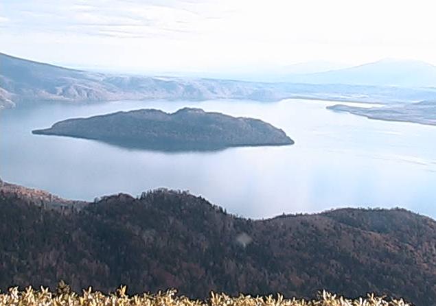 津別峠展望台から屈斜路湖・中島