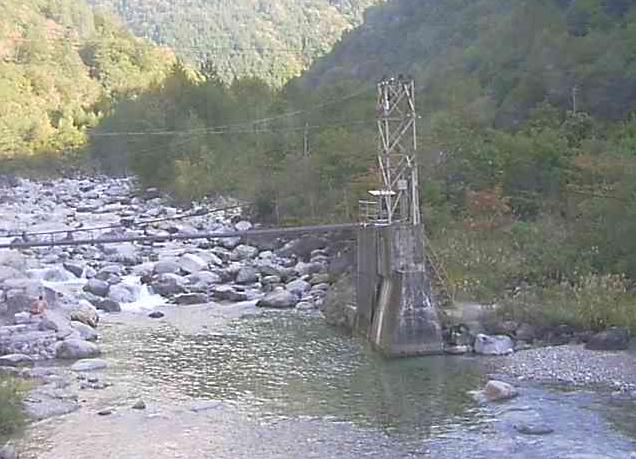 深山荘前かじか橋橋脚から蒲田川