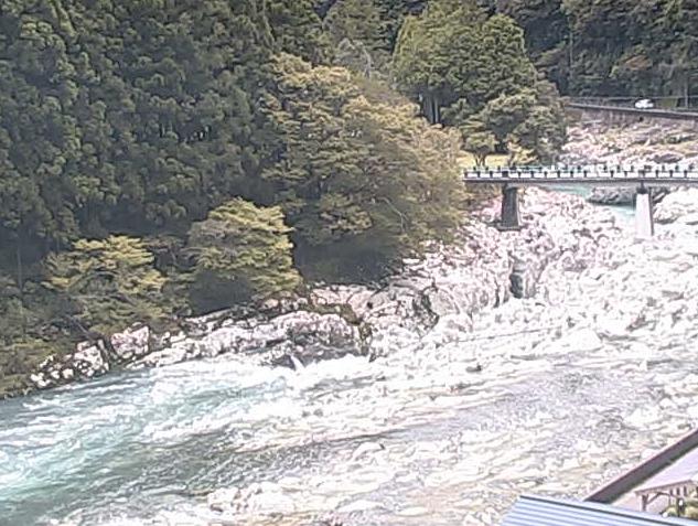 滝の拝から小川