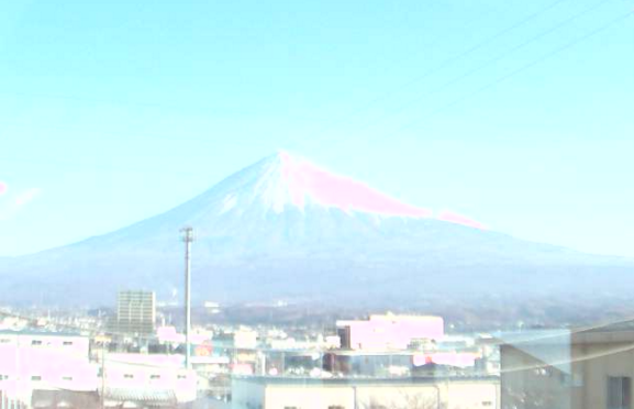 東海製蝋本社から富士山