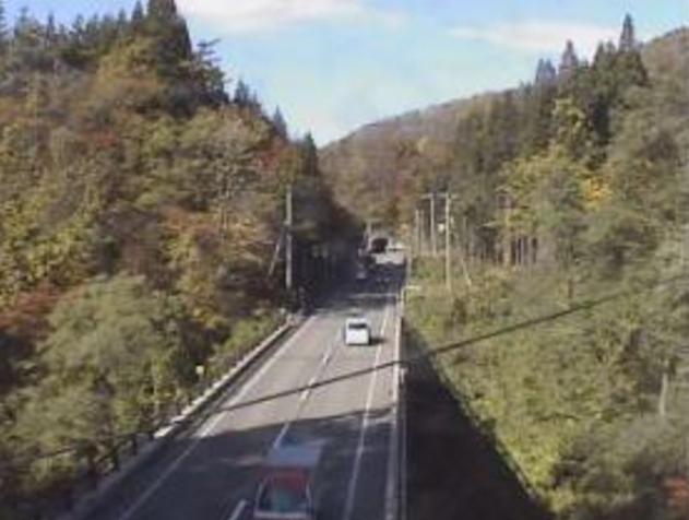 山内黒沢付近から国道107号