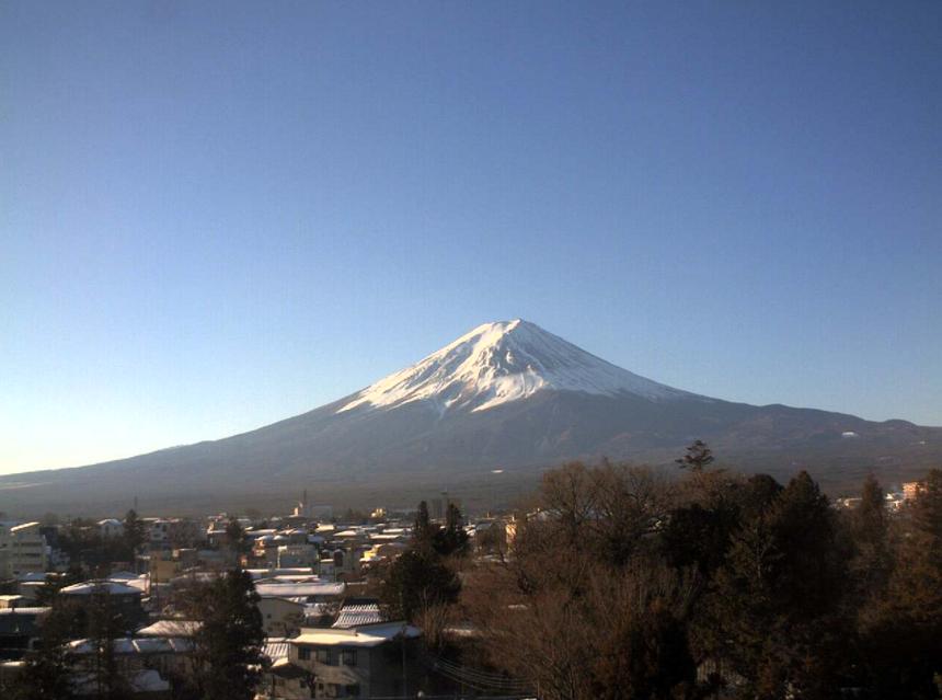富士レークホテル展望室屋上から富士山