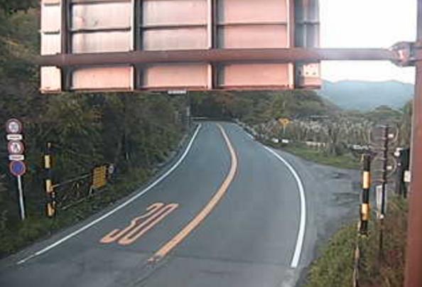 国道18号碓氷峠ライブカメラは、群馬県安中市松井田町の碓氷峠に設置された国道18号(中山道)が見えるライブカメラです。