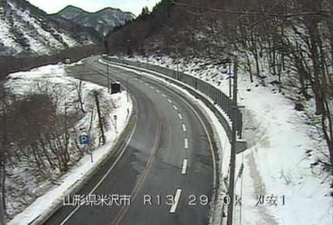国道13号刈安第1ライブカメラ(山形県米沢市万世町)