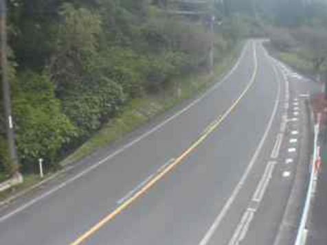 国道179号人形峠ライブカメラは、鳥取県三朝町木地山の人形峠に設置された国道179号が見えるライブカメラです。