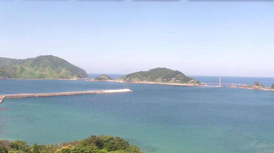 懐団地から上甑島が見えるライブカメラ。
